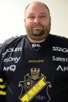 McStrider mit dem frisch erworbenen Dress des AIK Stockholm.