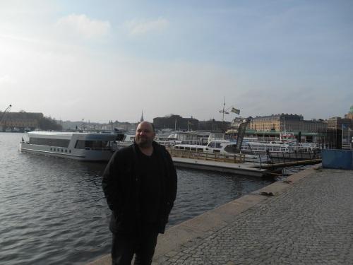 McStrider auf dem Strandvägen in Stockholm.