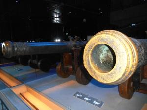 Zwei Kanonen der Vasa.