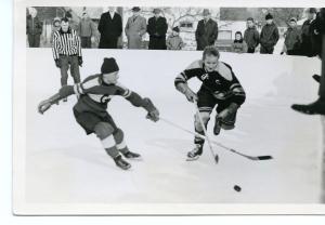 Heinz Stalder, erster Captain des SC Unterseen, im Einsatz auf der Eisbahn Weissenau.