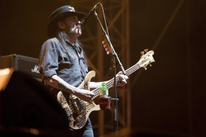 Lemmy Kilmister von Motörhead beim Auftritt am Greenfield. Foto: Manuel Lopez, mehr Bilder unter liveit.ch.